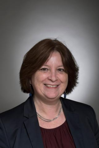 drs. E.E.H. van Beusekom (Eveline)