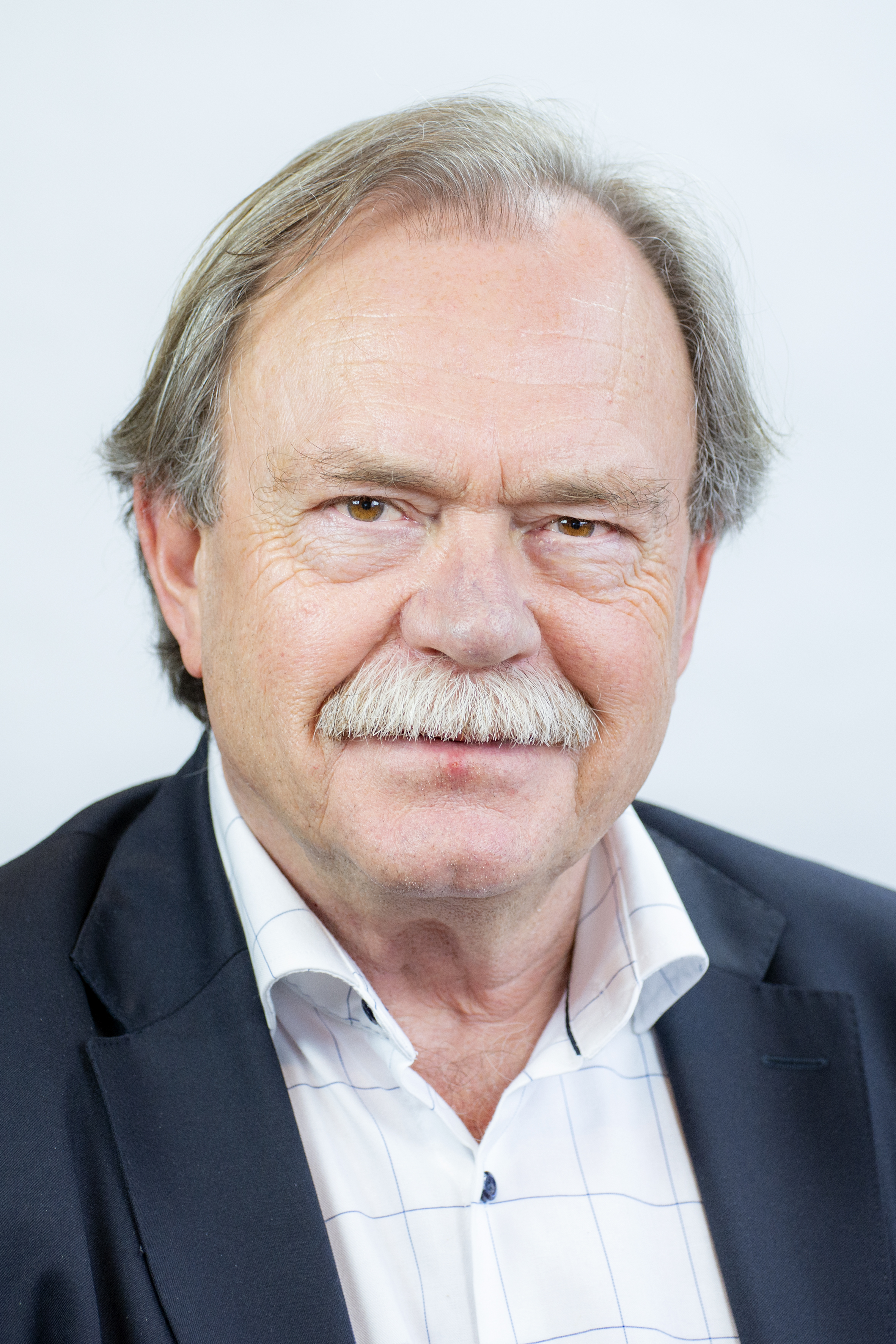 D.H. van Ginkel CMC (Dick)